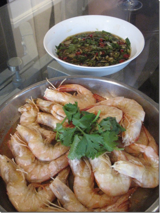 Fresh steamed prawns with coriander dipping sauce