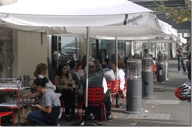 Al fresco dining at Cafe Sopra, Walsh Bay