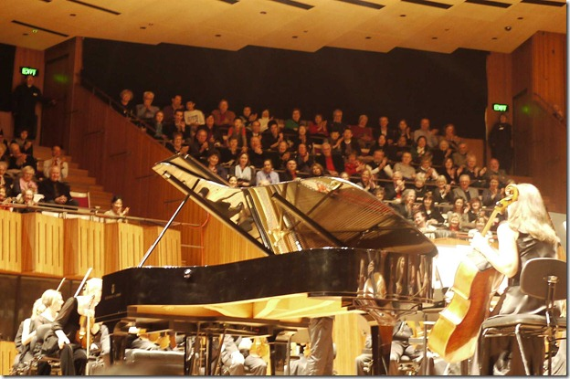 Applause after Rachmaninoff's piano concerto no. 2  in C minor
