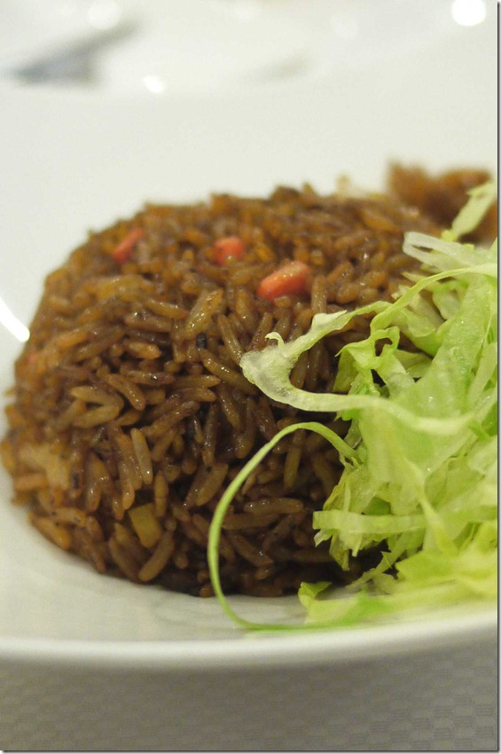 Vegetarian glutinous rice with iceberg lettuce
