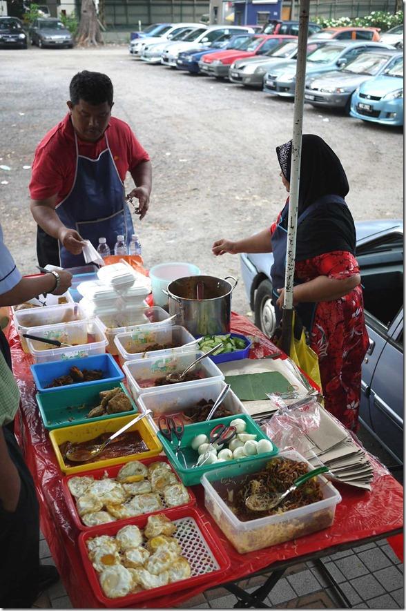 Nasi lemak stall at front of Hotel Maya, Jalan Ampang