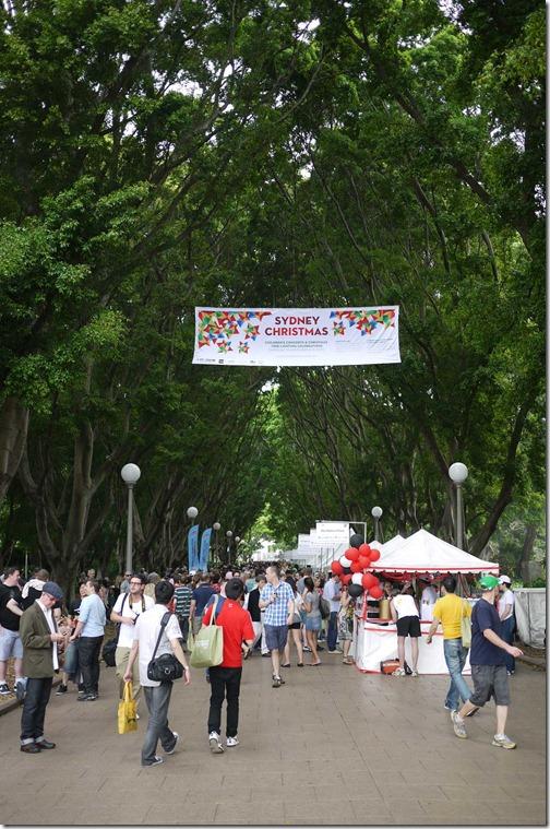 Hyde Park entrance to food stalls