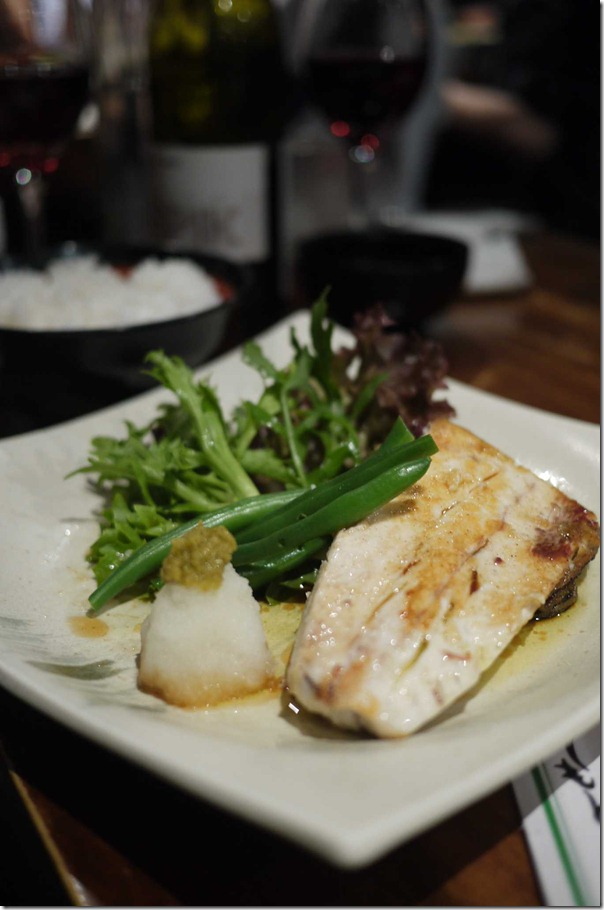 Grilled kingfish with french beans & salad leaves $16
