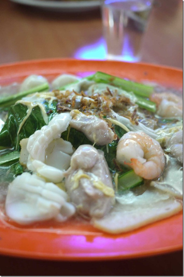 Stir-fried rice noodles Cantonese style or wat taan hor fun