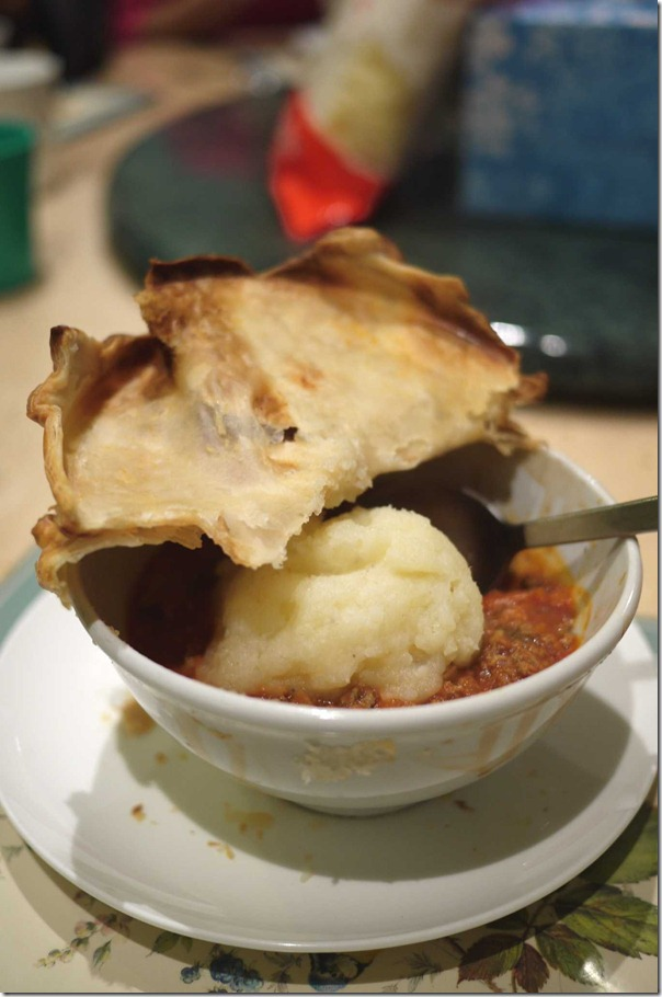 Home-made bolognaise pie