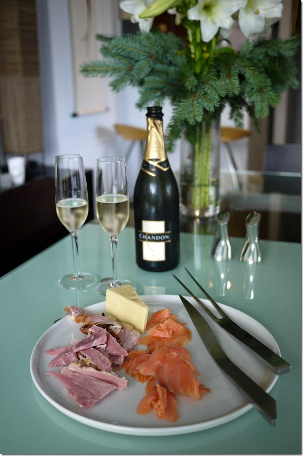 Breakfast Christmas Day 2011: Smoked salmon, ham, cheese and sparkling wine