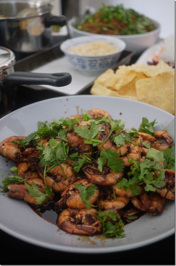 Indonesian style stir fried prawns with garlic, ginger and sweet black sauce