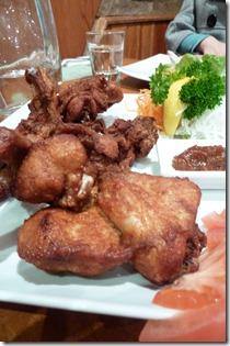 Ayam goreng pemudi