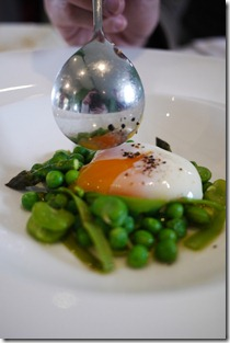 Broad beans, peas, pea puree and slow-cooked hen's egg (61C)