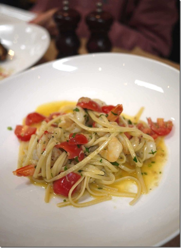 Linguine, Mooloolaba king prawn, crab, garlic, chilli, cherry tomato, EVOO, parsley $32.50