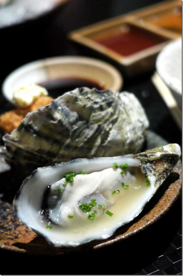 Natural Pacific oyster with yuzu vinaigrette (Half dozen $20.80)
