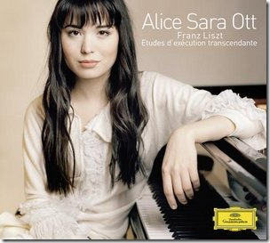 Pianist Alice Sara Ott