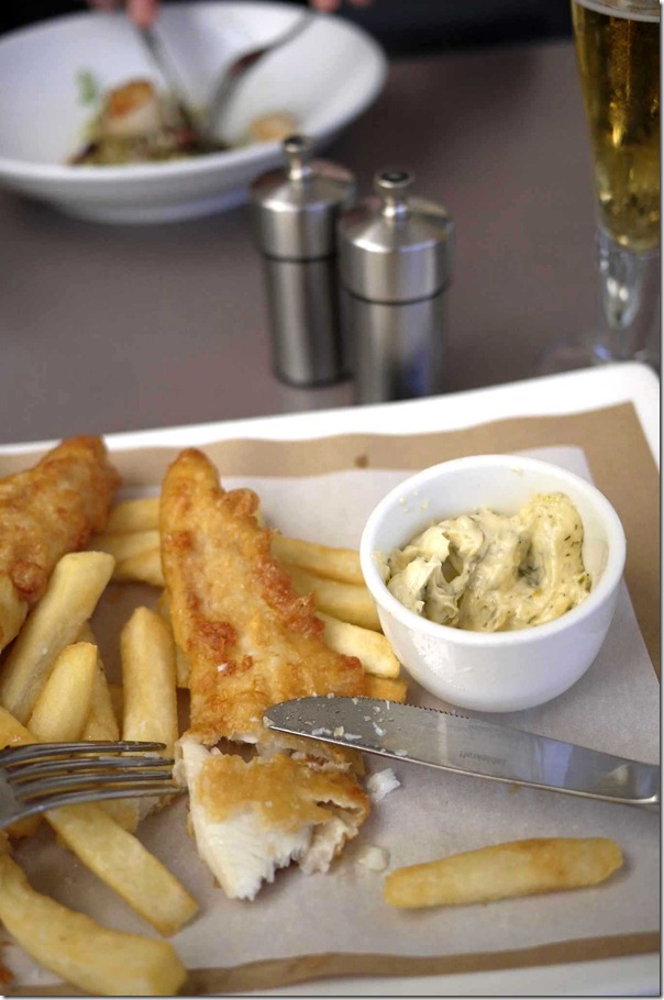 Beer batter fish & chips with tartare & lemon $17 (normally $25.50)