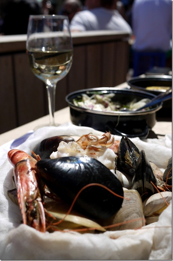 Black mussels, tiger prawns and clams