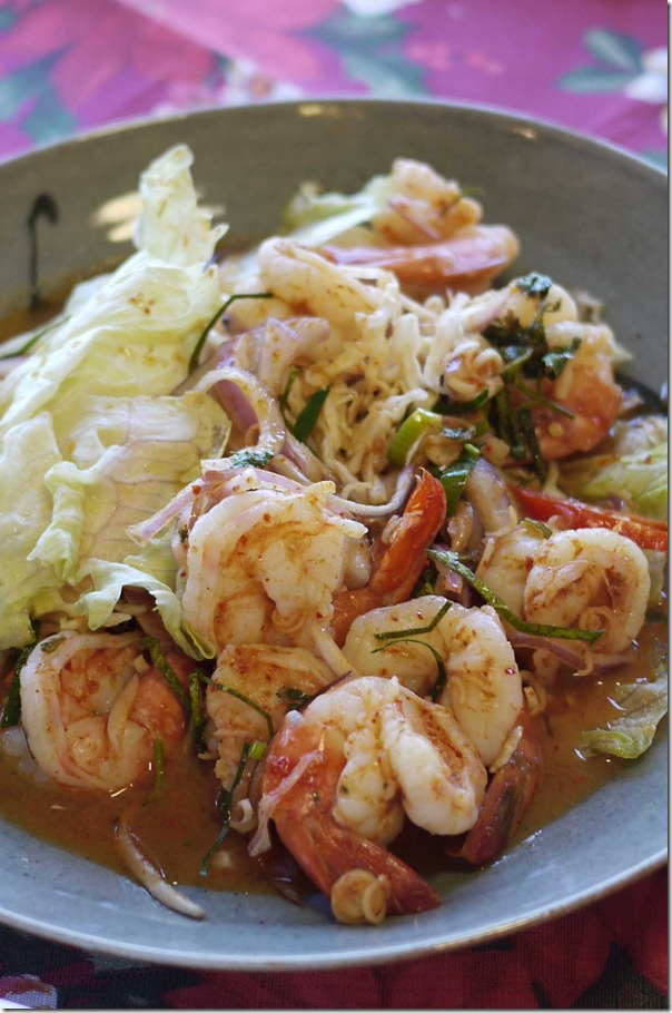 Thai prawn salad with cabbage, onions and kaffir lime