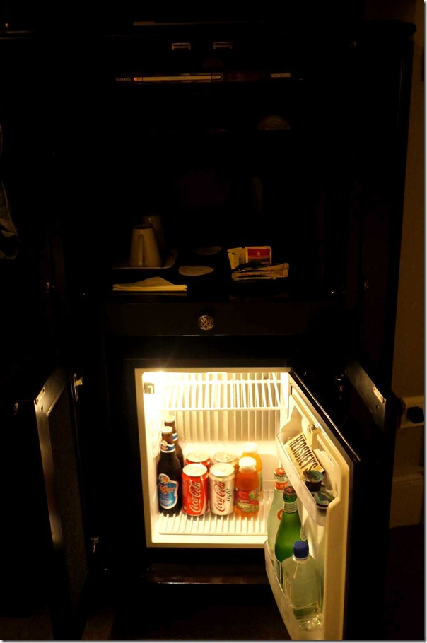 Mini bar, coffee and beverages, The Scarlet, Singapore