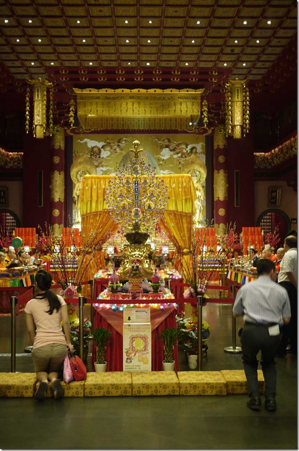 Buddha Tooth Relic Temple and Museum, 288 South Bridge road, Singapore
