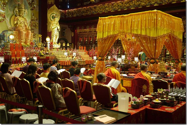 Worshippers at Buddha Tooth Relic Temple and Museum