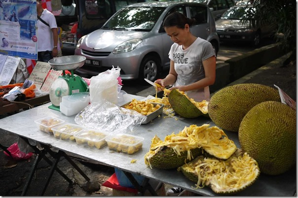 Cutting jackfruit