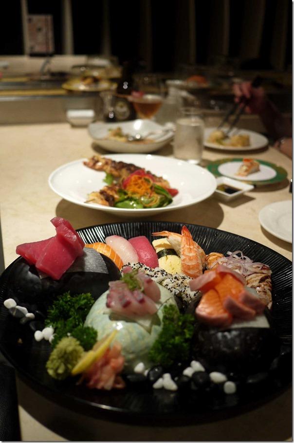Sushi and sashimi platter $34.90