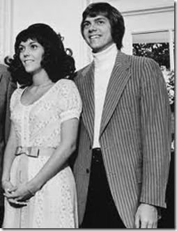 Karen and Richard Carpenter in the 70s