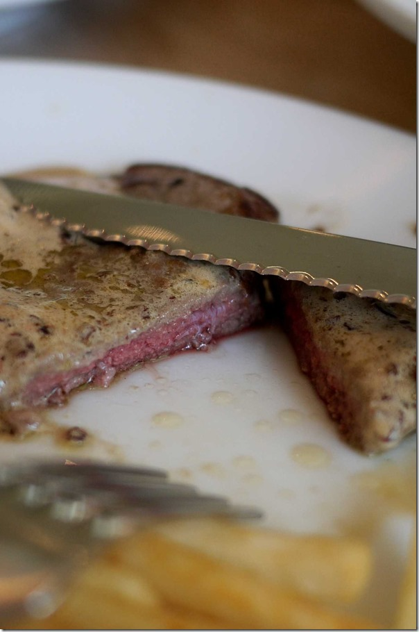 Steak minute grille with red wine butter