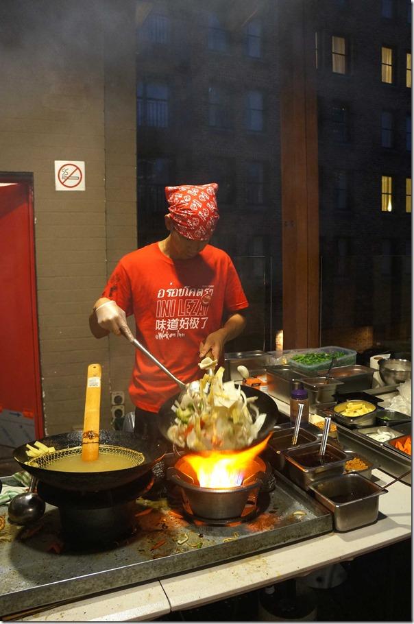 Stir-frying vegetables, Wok on Inn, The Rocks Sydney