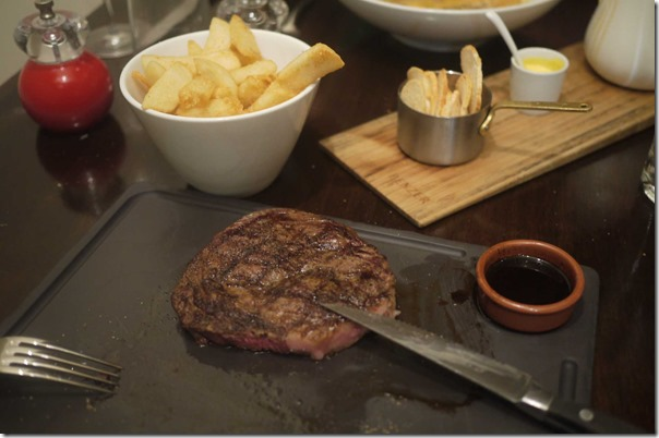 200-day grain fed Rib eye, housemade red wine jus and steakhouse chips