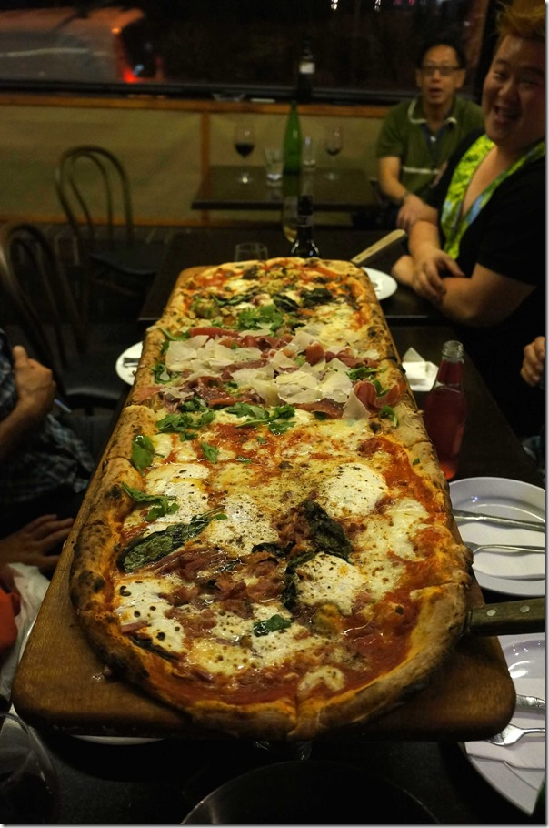 Another metre long pizza