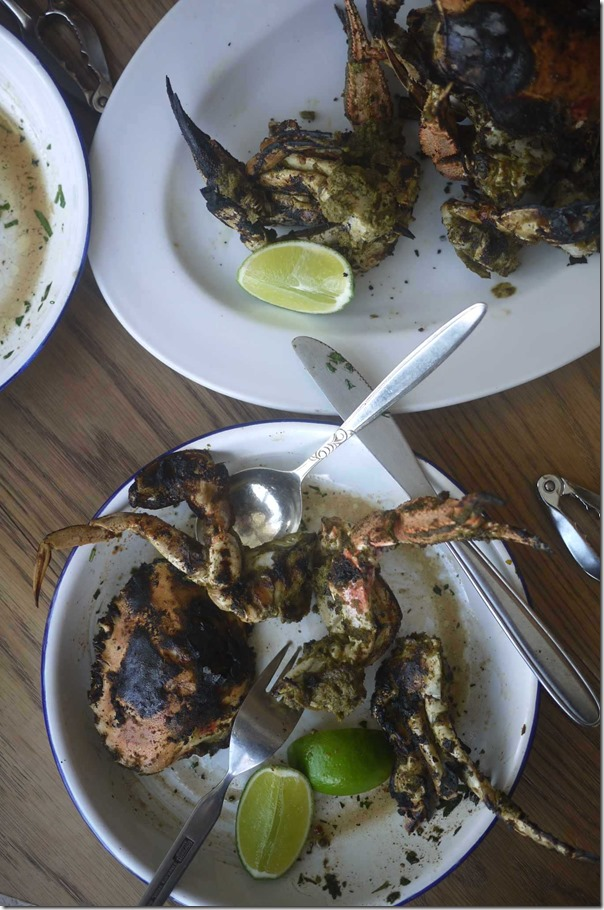 Grilled local sand crabs, green chilli condiment