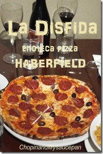 Pizza Bufala: Tomato, mozzarella di Bufala, extra virgin olive oil, basil