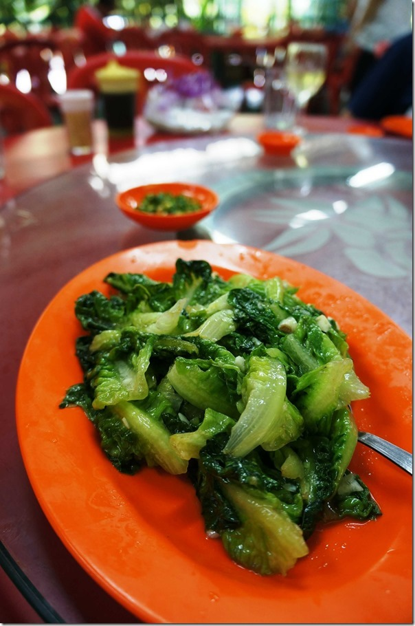 Stir-fried Chinese cabbage with garlic
