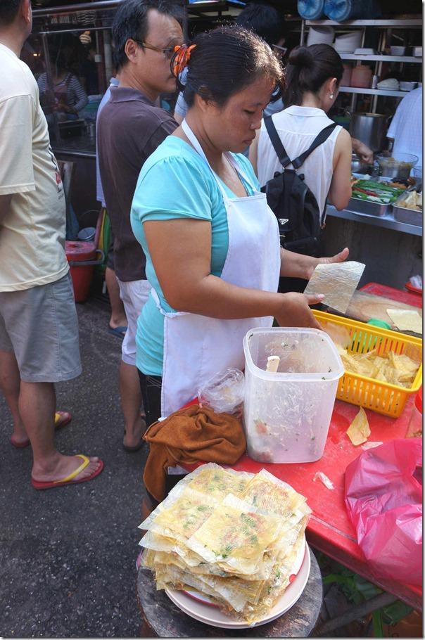 Wrapping pork mince with beancurd skin, Jalan Imbi Market
