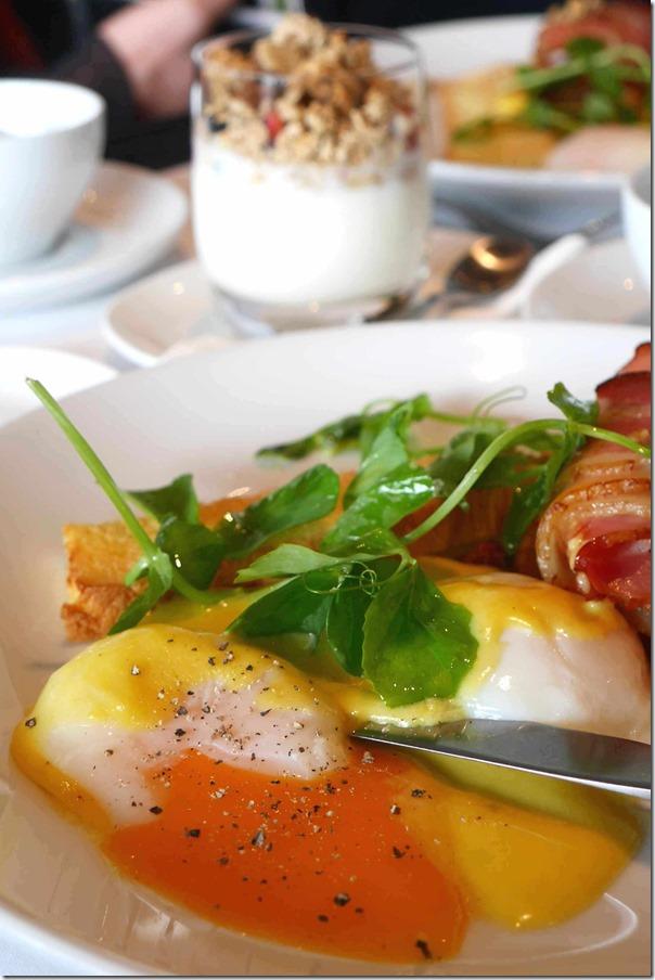 Sea of yellow & orange ~ 63 degree Celcius eggs, hollandaise sauce & bacon