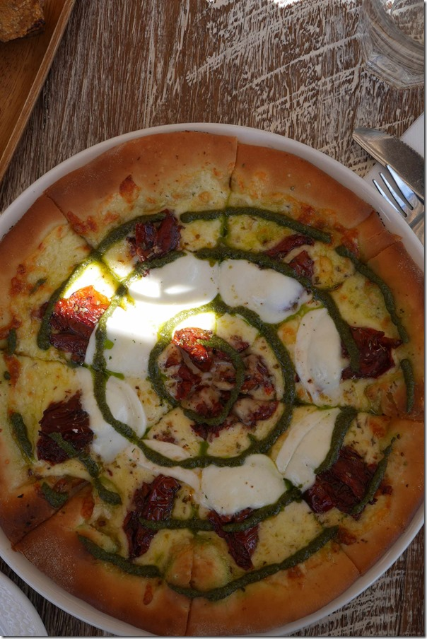 Margherita pizza $16.50