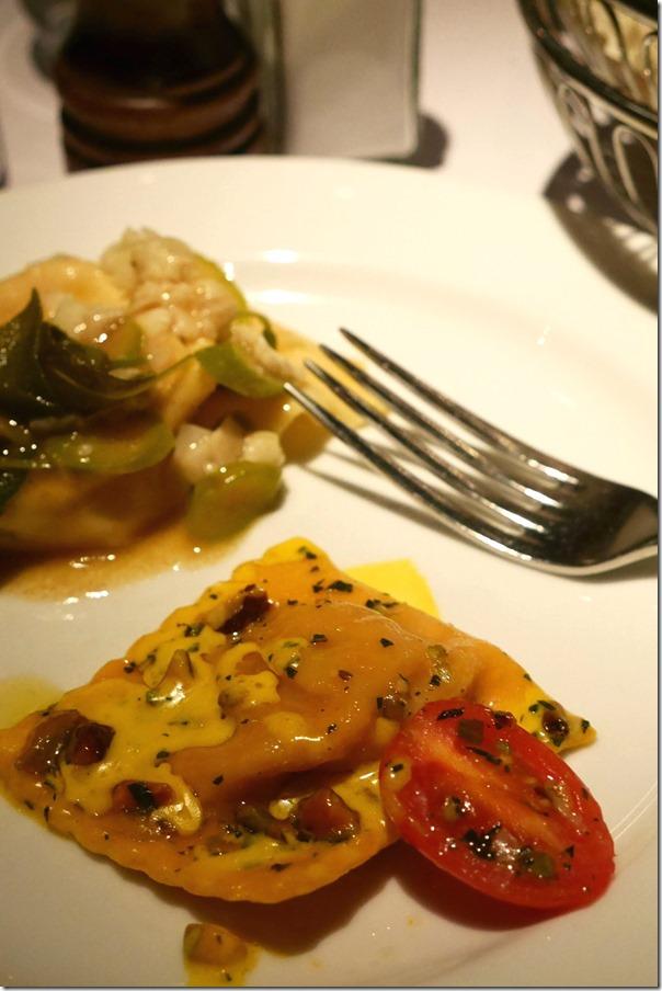 Ravioli di pesce con capesante, burro, menta, zafferano e pistachio $24 / $32