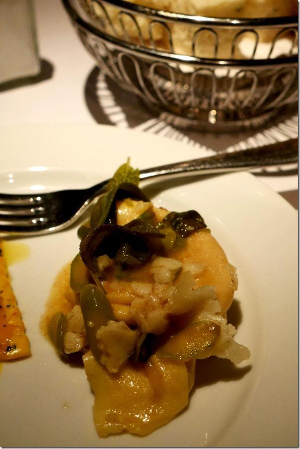 Cappelletti di ricotta e zucca serviti burro salvia con asparagi e pecorino al tartufo $22 / $30