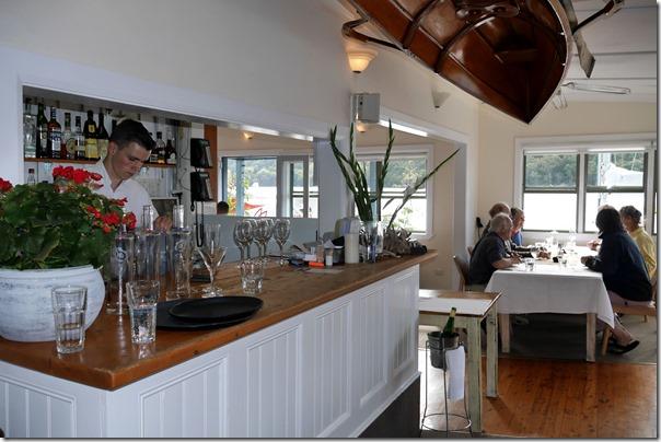 Cocktail bar, Cottage Point Inn