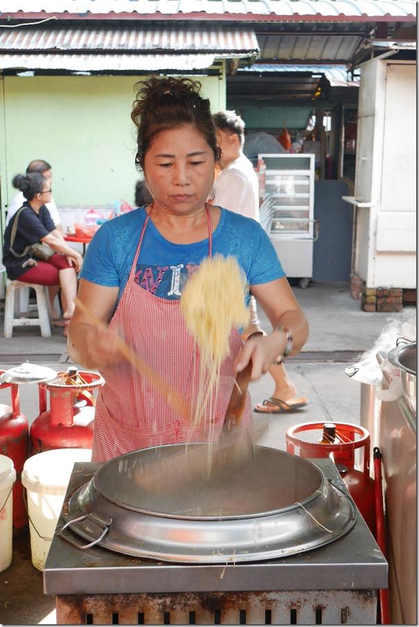 Blanching wantan noodles, Imbi Market
