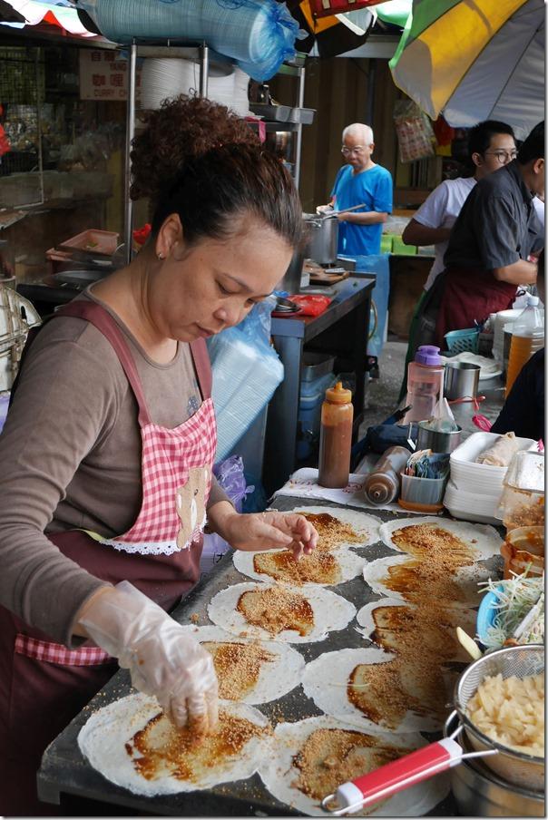 Preparing popiah, Imbi Market