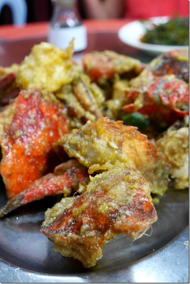 Salted egg yolk mud crabs RM130 / A$45.60