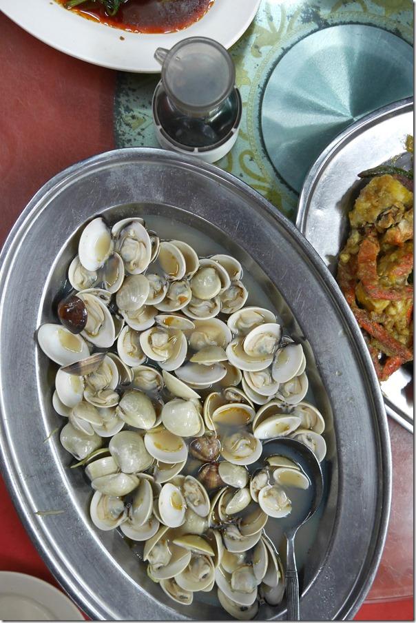 Steamed lala clams RM28 / A$9.80