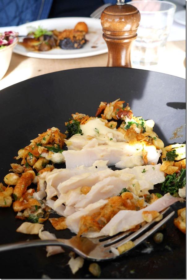Flaky chunks of Spanish mackerel