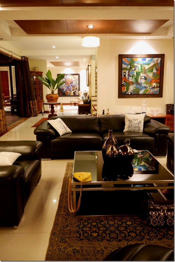 Tropical Decorated Living Rooms