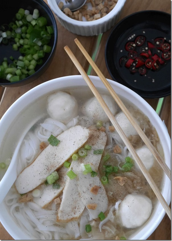 Comfort food at its best ~ Malaysian style fish ball noodles