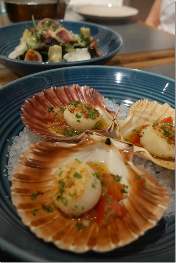 Pan fried sea scallops $15