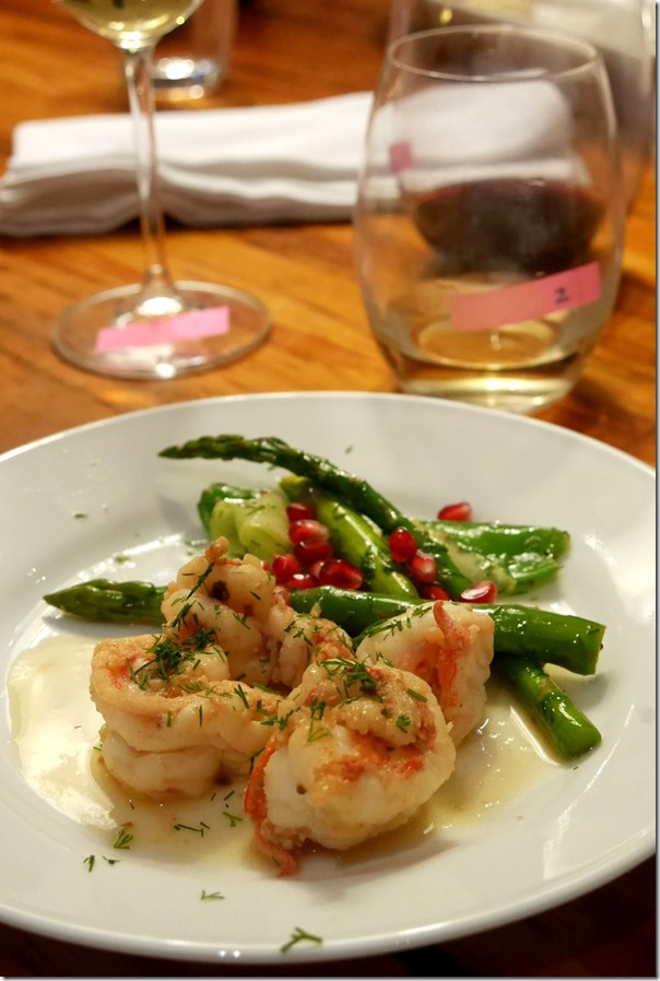 Sautee prawns with dill and asparagus