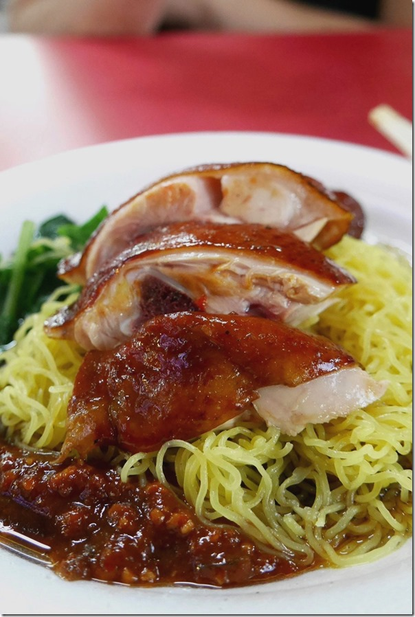 Drumstick soya sauce chicken with noodles $S2.50