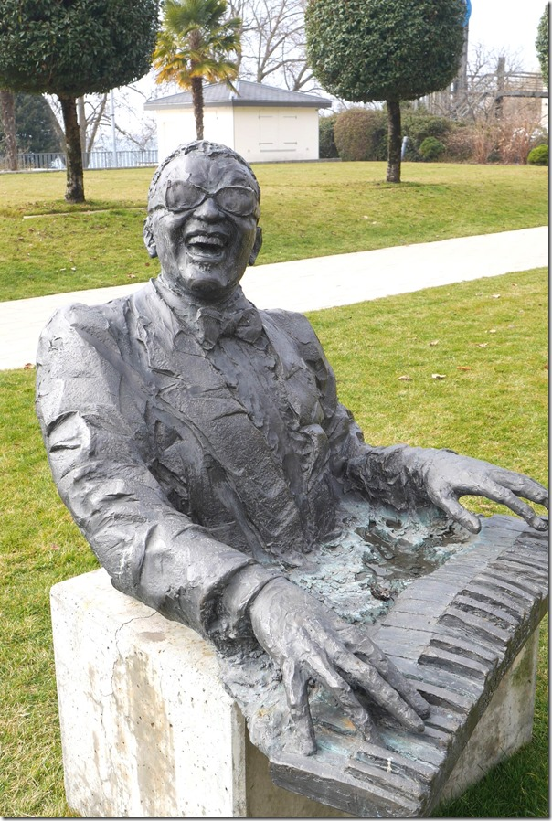Bust of Ray Charles (23 September 1930 – 10 June 2004)