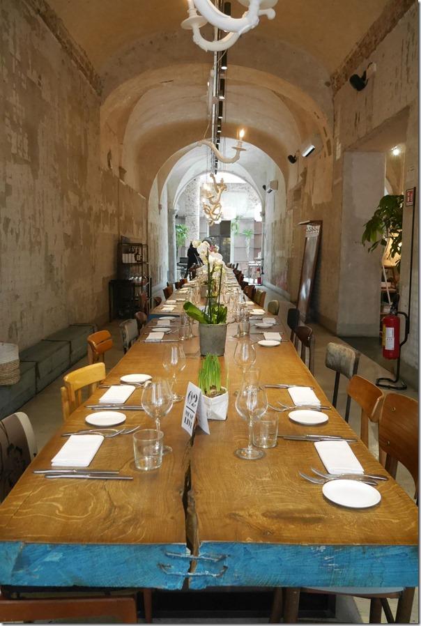 Communal dining table, La Ménagère